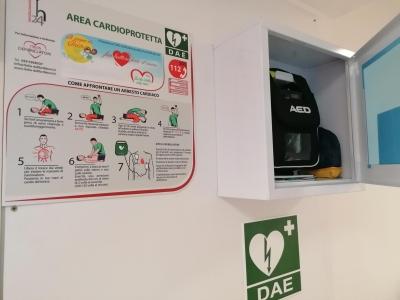 """Il Sogno di Iaia Onlus dona un nuovo defibrillatore al nostro Istituto grazie al progetto """"Fai battere forte il cuore"""""""